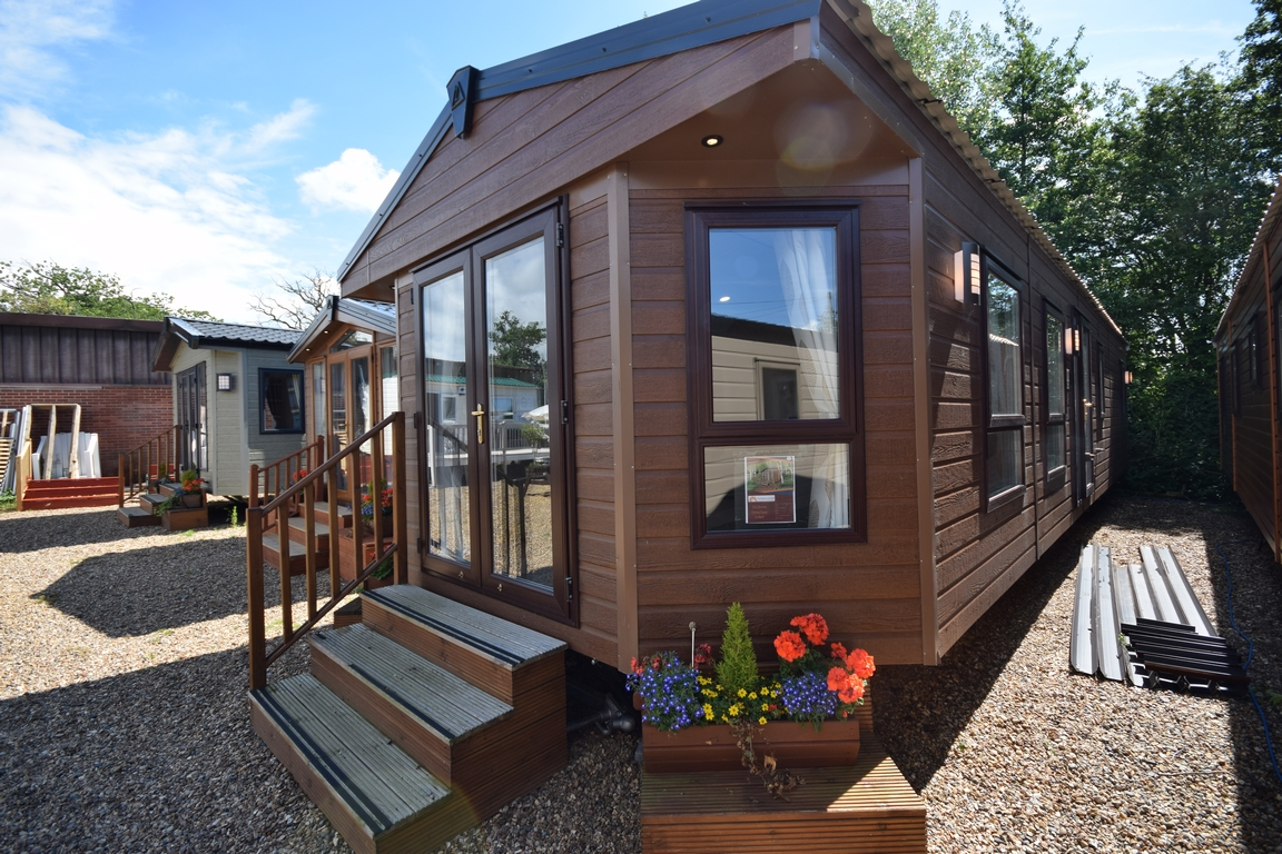 Sunrise Lodge Deluxe Super 3 bed with Shower