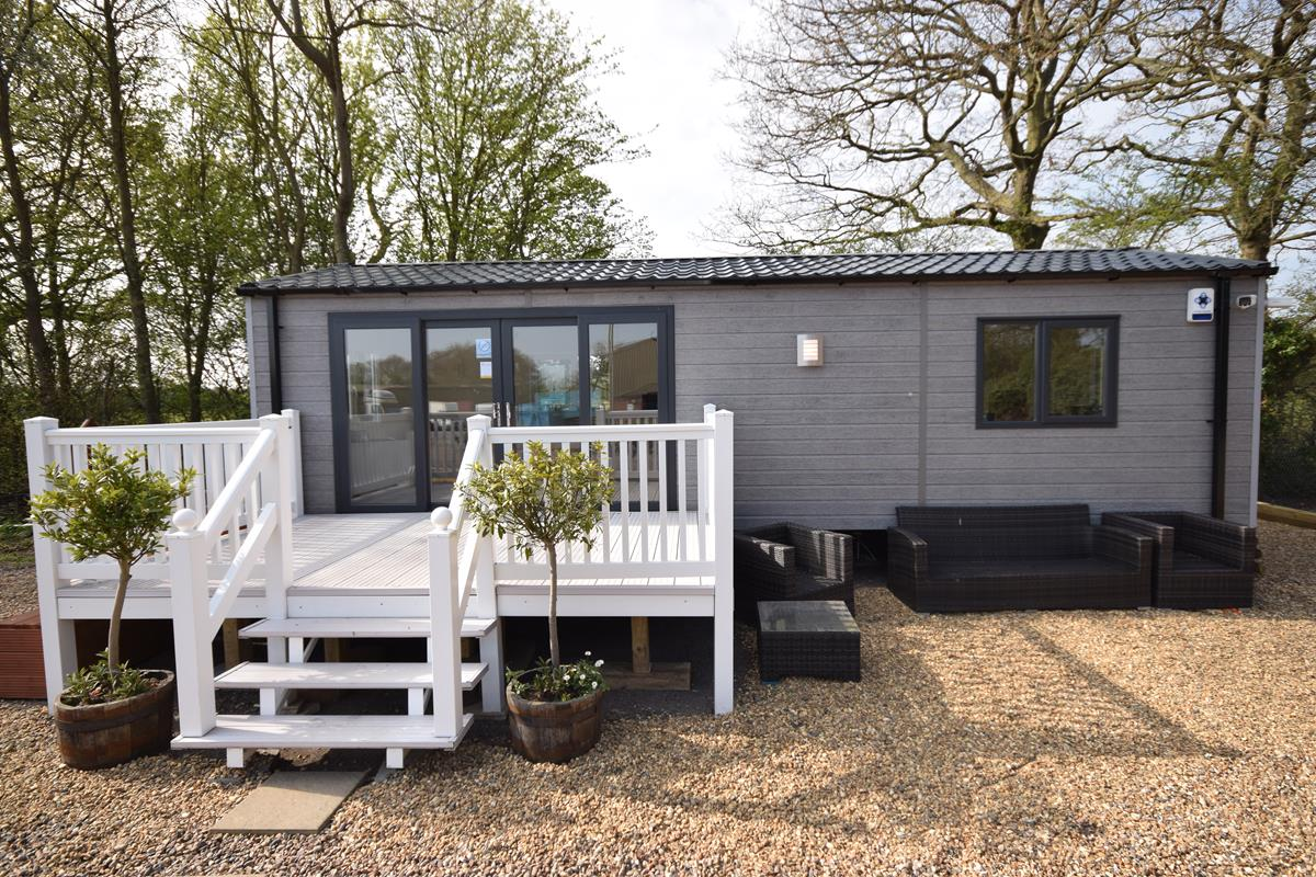 Sunrise Lodges Garden Office Exterior