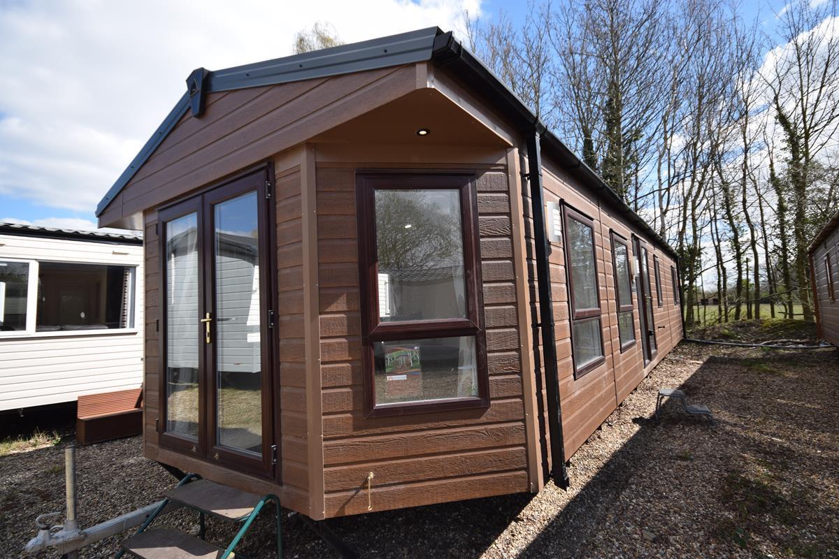 Used Sunrise Lodge Exterior Photo